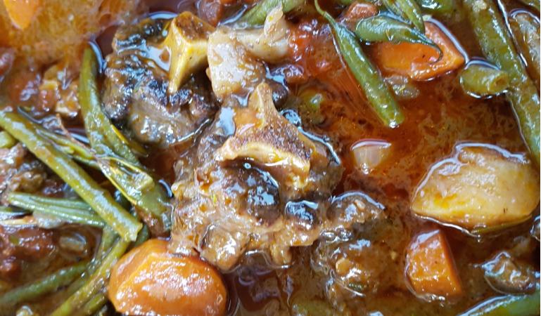 Chef Jaco's recipe for delicious rich oxtail casserole.